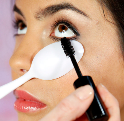 4 Free And Easy Tips To Make Your Eyelashes Look Long