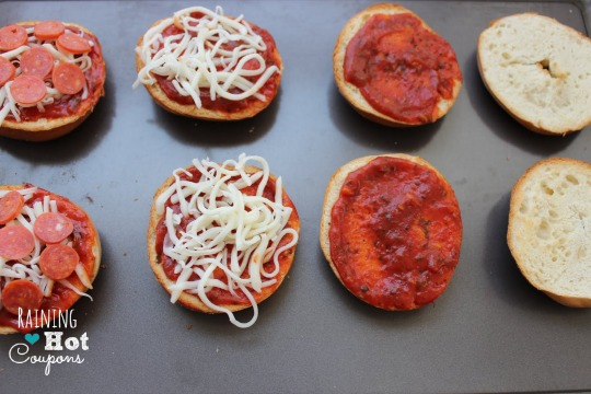 34.jpg4 Homemade Garlic Pizza Bagel Bites