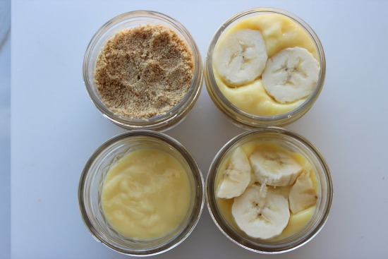 411.jpg11 Banana Pudding in a Jar