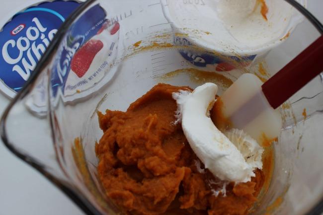 31.jpg1 Fluffy Pumpkin Dip