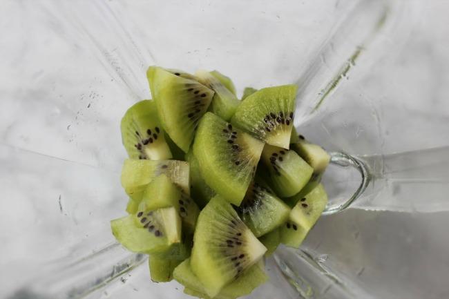 how to make kiwi juice in blender
