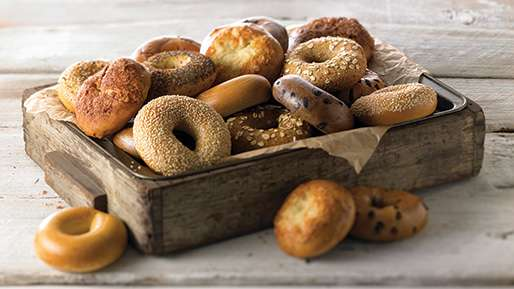 a-brief-history-of-the-bagel-in-america-sm