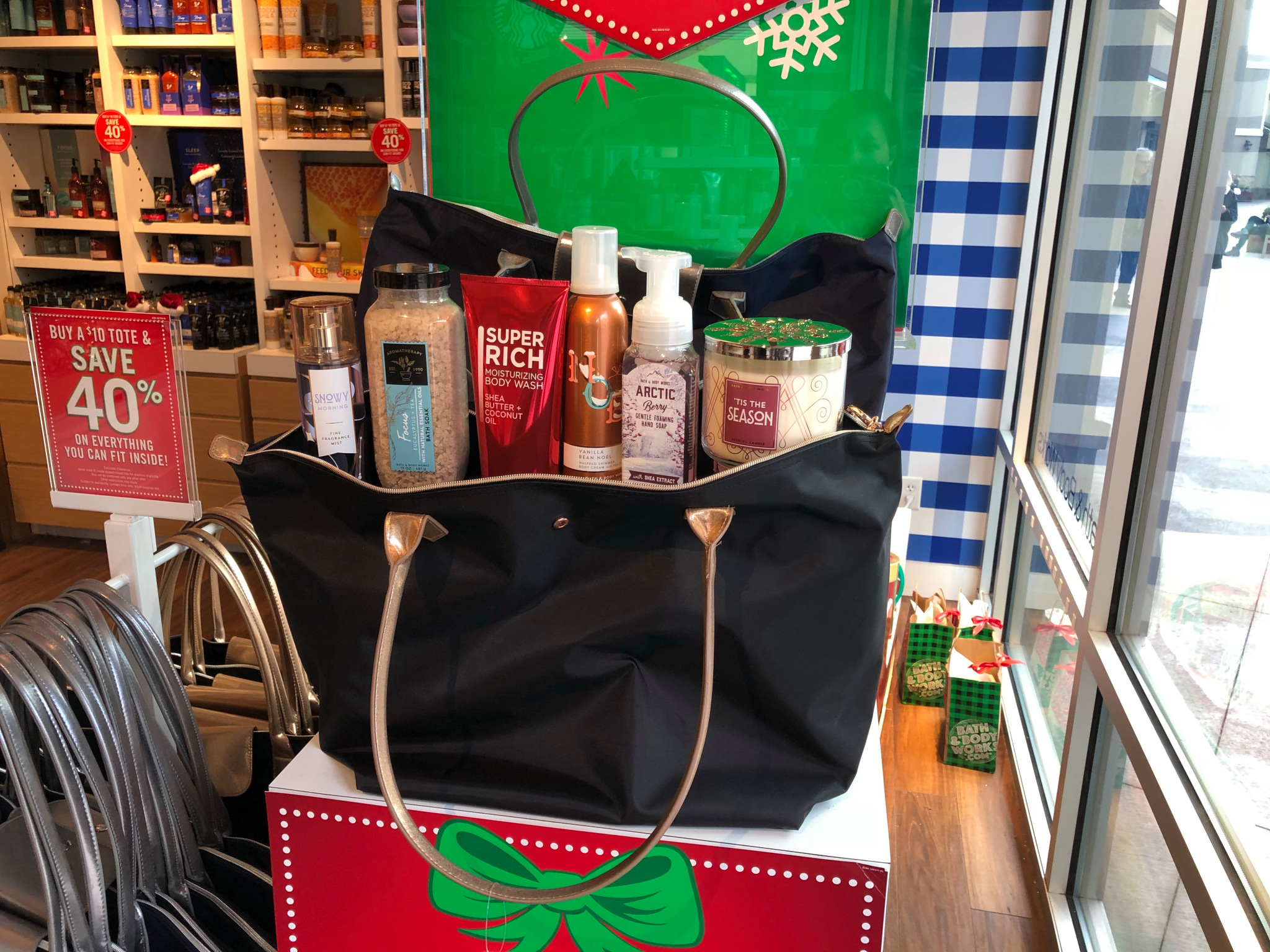 Bath And Body Works Purchase 10 Tote And Get 40 Off