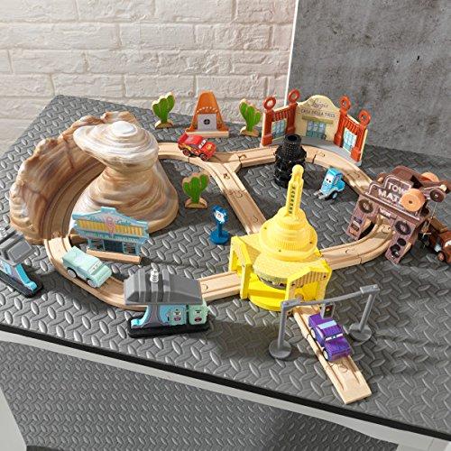 Kidkraft Disney Pixar Cars 3 Radiator Springs 50 Piece Wooden Track